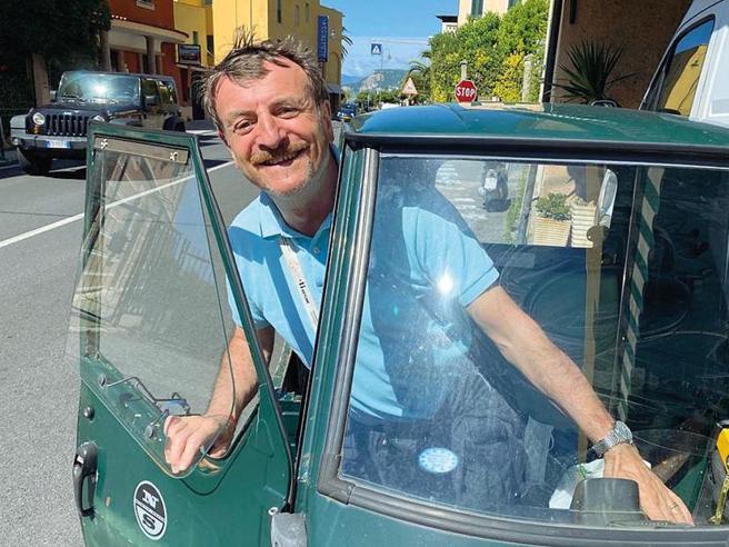 Giacomo Poretti dopo il Covid: «Il   Teatro Oscar ritorna, recitiamo su un'Apecar»