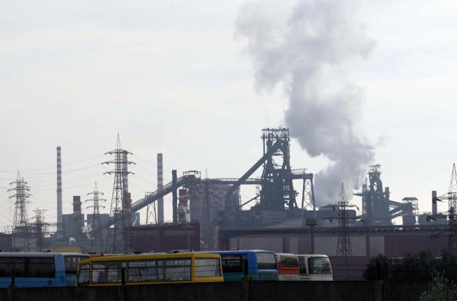 ArcelorMittal, anche il governo boccia il piano. Patuanelli: inaccettabile