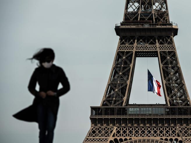 Coronavirus in Francia, il governo sotto inchiesta: «Confusione su mascherine e tamponi, fu omicidio»