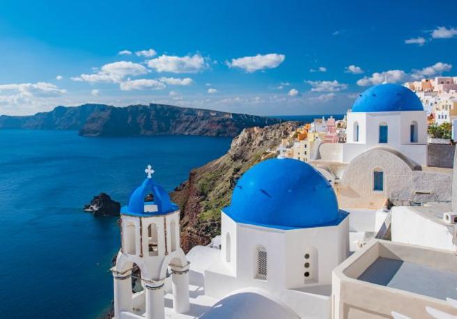 Grecia Italia, apertura frontiere: da lunedì 15 giugno vengono tolte le limitazioni per i turisti italiani