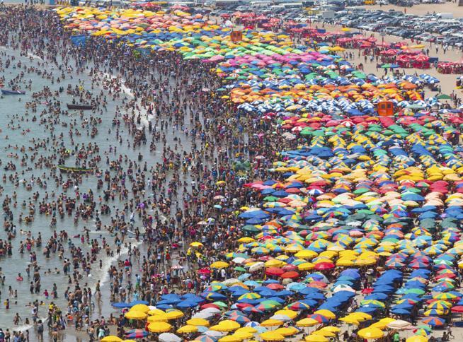 Rimini, Publiphono chiude: addio alla «voce» delle spiagge che ritrovò 130.000 bambini