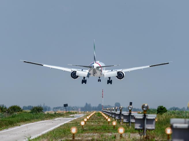 Aerei, il bollettino europeo toglie gli aeroporti  del Veneto dalla «zona rossa»