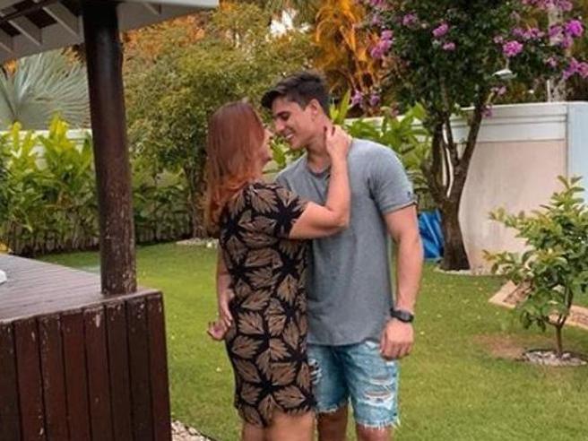 Neymar, (presunto) insulto omofobo e minacce al fidanzato di mamma Nadine