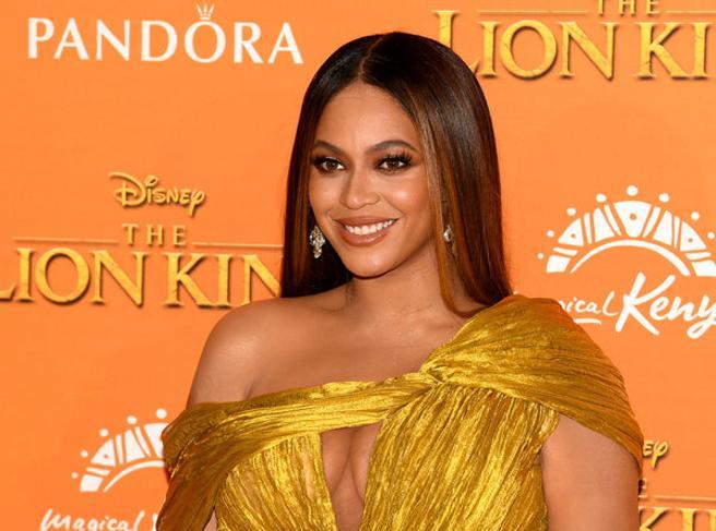 Beyoncé e il contratto da 90 milioni di euro con Disney: «Lavorerà a tre importanti progetti»