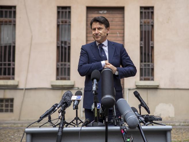 Zona rossa ad Alzano e Nembro, Conte irritato: «Fatta la scelta più rigorosa, Fontana aveva pieni poteri»