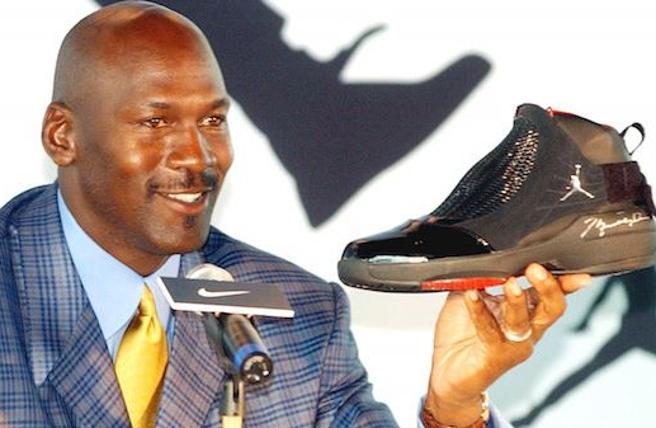 Michael Jordan è ora lo sportivo più ricco di sempre: possiede 2,1 miliardi di dollari