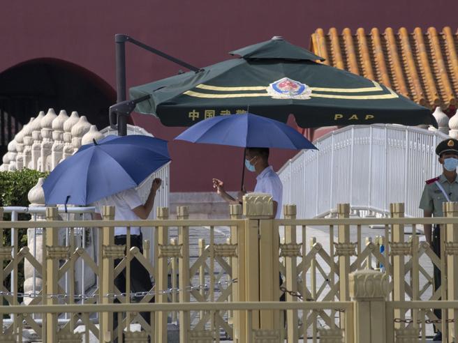 Coronavirus, Pechino ora chiude le scuole: caccia a 200 mila infetti