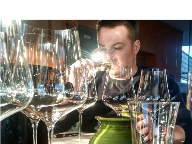 Arriva il nuovo Codice del vino. È la web series del sommelier  Luca Gardini