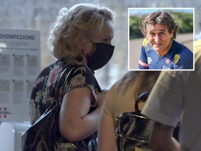 Zanardi, la moglie Daniela al suo fianco per la nuova impresa: «Riuscirà a farcela»