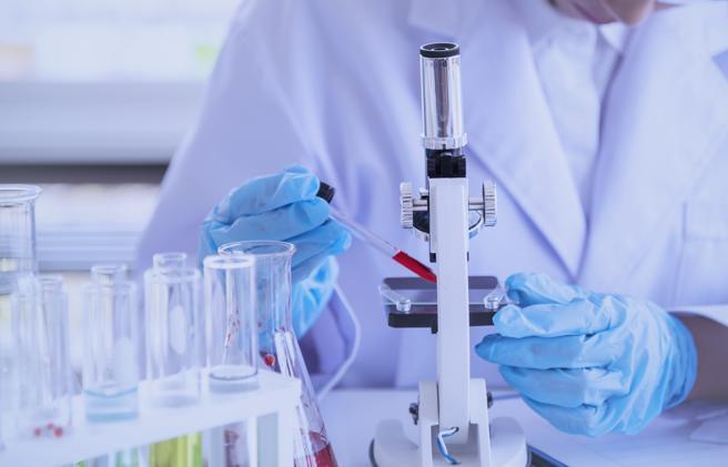 «Con un test è possibile capire se la bassa carica è infettiva»