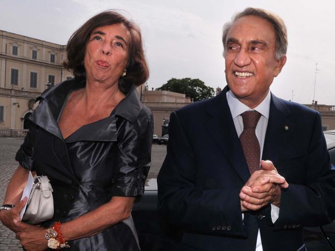 Emilio Fede e l'arresto per evasione, parabola di una vita spericolata: i momenti e gli aneddoti memorabili