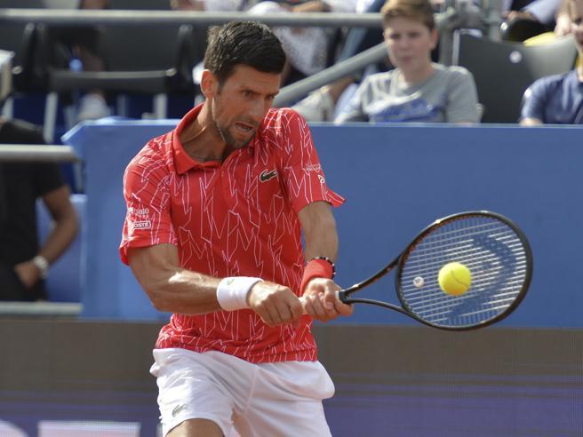 Novak Djokovic positivo al coronavirus: «Sono dispiaciuto di aver organizzato il torneo»