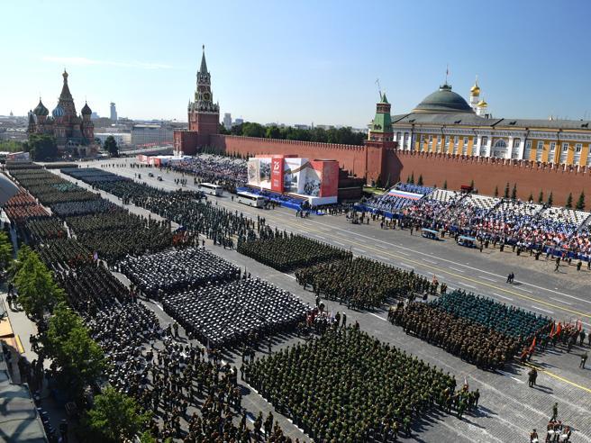 La Parata del giorno della Vittoria in Piazza Rossa
