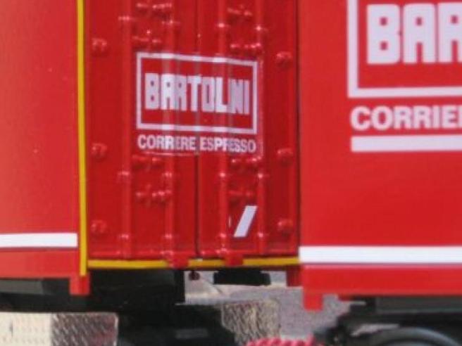 Coronavirus, a Bologna focolaio alla Bartolini: più di 40 positivi