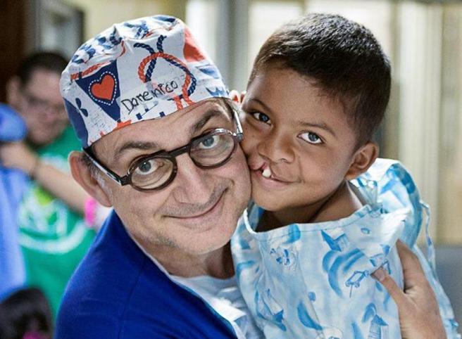 I bambini del dottor Sorriso operati nonostante il Covid