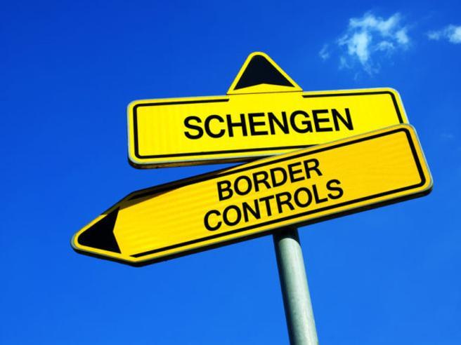 Viaggi all'estero: posso spostarmi  nella Ue? E in America? Tutte le domande e risposte