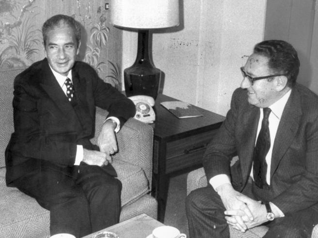 Beppe Pisanu: «Per salvare Moro Zaccagnini incontrò Craxi. Come poterono le Br passare inosservate?»