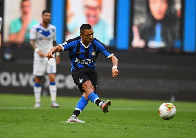 Inter-Brescia 6-0, le pagelle: Sanchez migliore in campo, Young errore e prodezza