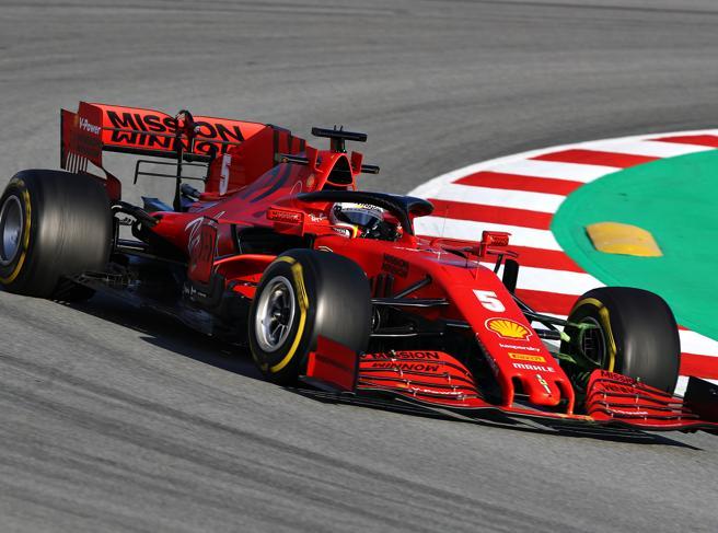 Gp d'Austria, perché la Ferrari è in ritardo, Mercedes favorita con un dubbio, Red Bull, sviluppi ok: le novità e le schede tecniche