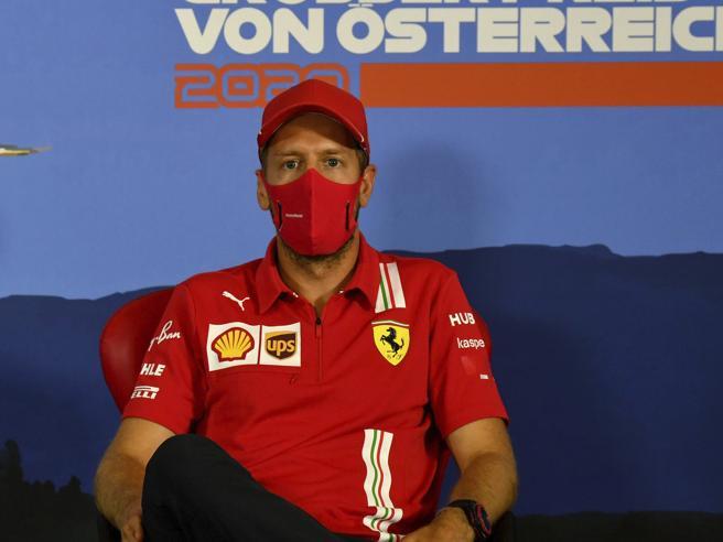 F1, Vettel: «Ferrari non mi ha mai offerto il rinnovo. Leclerc? Non gli farò nessun favore»