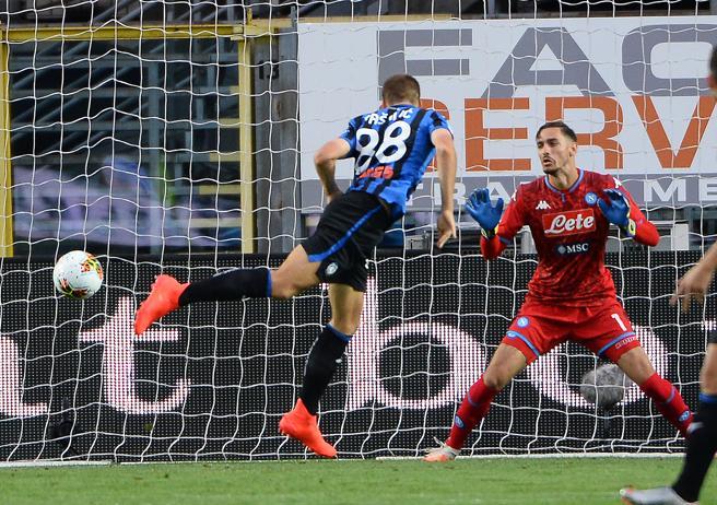 Atalanta-Napoli 2-0: Pasalic e Gosens puniscono una difesa distratta