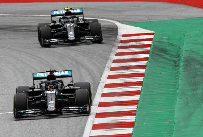 F1, Gp d'Austria: seconde prove libere, ancora dominio Mercedes