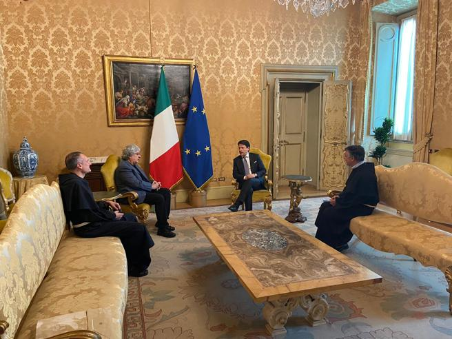 Conte incontra i promotori del «Manifesto di Assisi» per  un'economia a misura d'uomo
