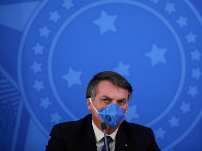 Bolsonaro positivo al coronavirus, contagiato il presidente
