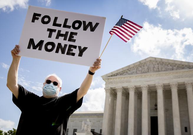 Corte Suprema, schiaffo a Trump. Ma le sue tasse non sono divulgate