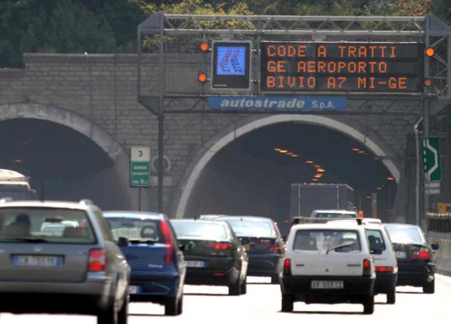 Atlantia sotto il 50% in Autostrade, la proposta al governo: round finale