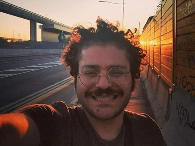 Patrick Zaky, il tribunale egiziano rinnova detenzione per altri 45 giorni