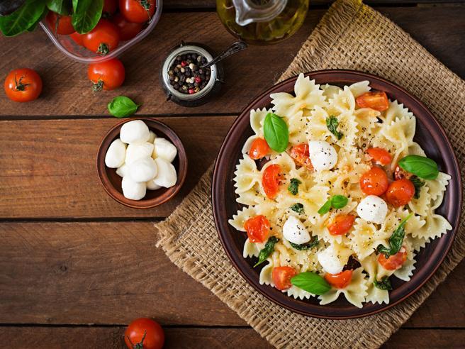 Idee fresche per l'estate: le 15 ottime insalate di pasta da preparare al volo