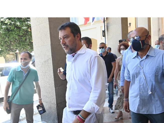 Salvini: «Colpiscono la Lombardia ma vogliono solo attaccare me»