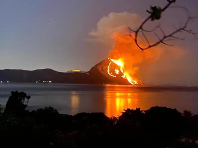 San Vito Lo Capo, incendio nella riserva naturale di Monte Cofano. Il sindaco: «Azione criminale»