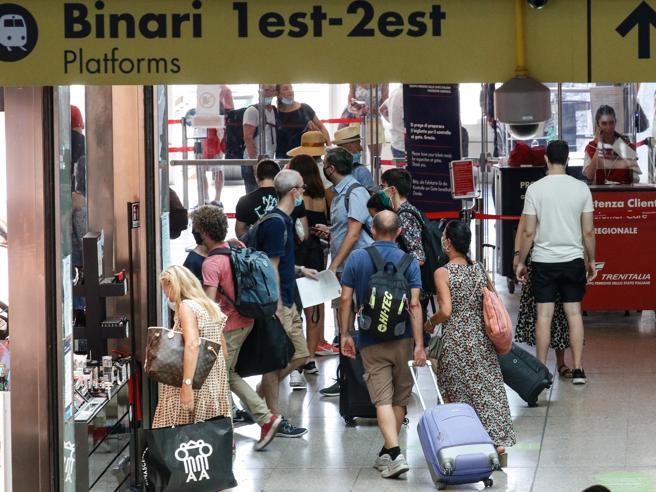 Contagio sui treni: a rischio i passeggeri accanto