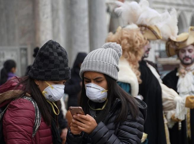 Turismo, da Roma a Venezia persi 7 miliardi: cosa c'è dietro alla crisi delle città d'arte