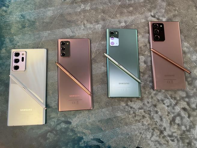 Samsung, ecco Note 20 Ultra e Note 20. Ma arrivano anche i Galaxy Tab S7, Watch 3, le cuffiette «a fagiolo» Buds Live e il Fold2