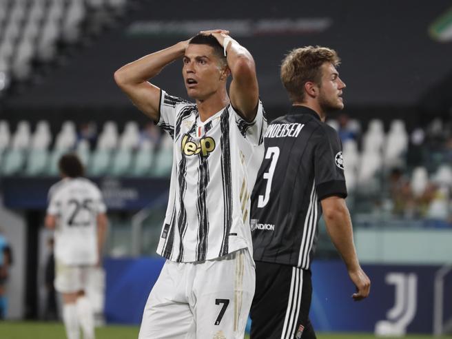 Juventus Lione 2 1: il doppio Ronaldo non basta, la Champions resta un sogno. Sarri eliminato