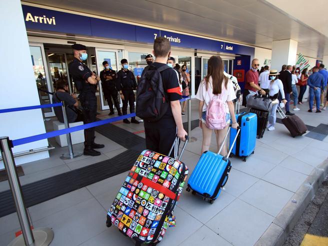 Test rapidi per i turisti che tornano da Grecia e Spagna