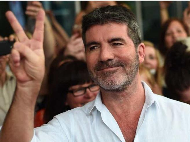 Simon Cowell, grave incidente in bici elettrica per il re dei talent show