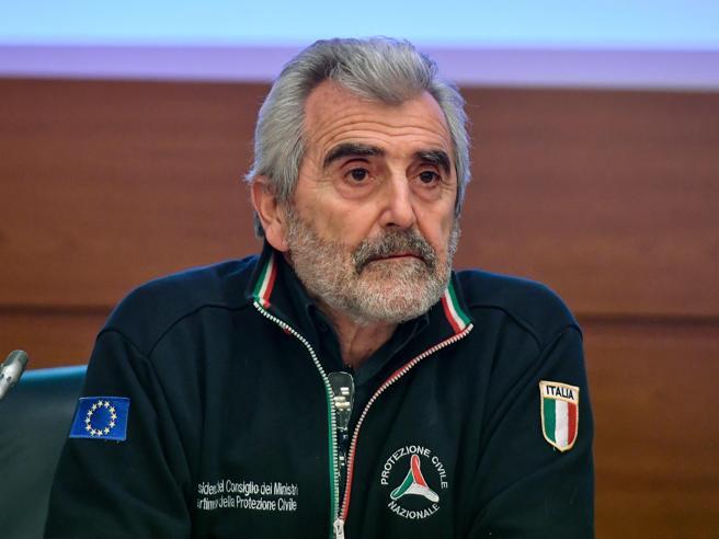 Coronavirus in Italia, Miozzo: «Se i contagi salgono lockdown inevitabili: e sarebbe un incubo»