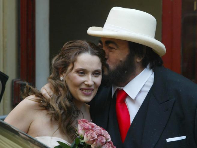 Luciano Pavarotti e Nicoletta Mantovani, un amore che supera ogni difficoltà