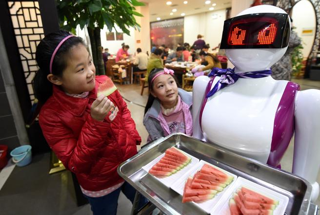 Cina, appello di Xi: «Vuotate i piatti». A Whuan scatta la regola del «meno 1»