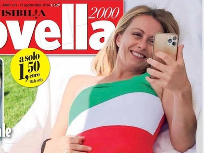 Giorgia Meloni in copertina con il costume tricolore