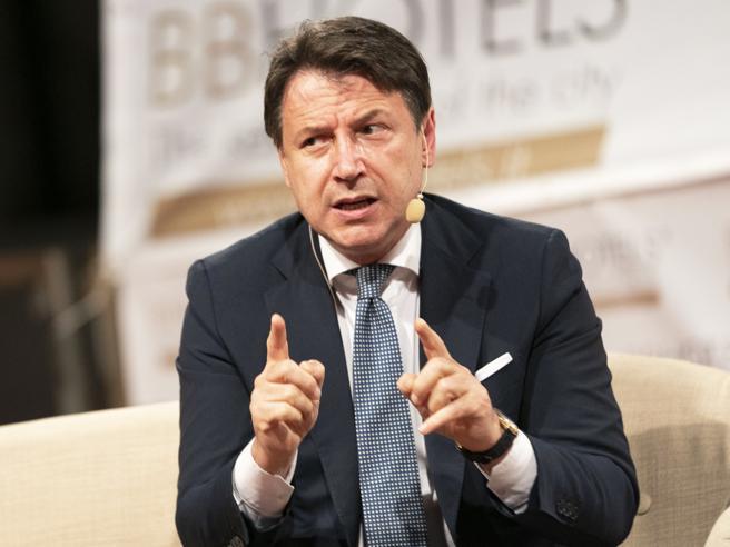 Covid, avviso di garanzia a Conte e 6 ministri Lui: «Mi assumo la responsabilità politica»