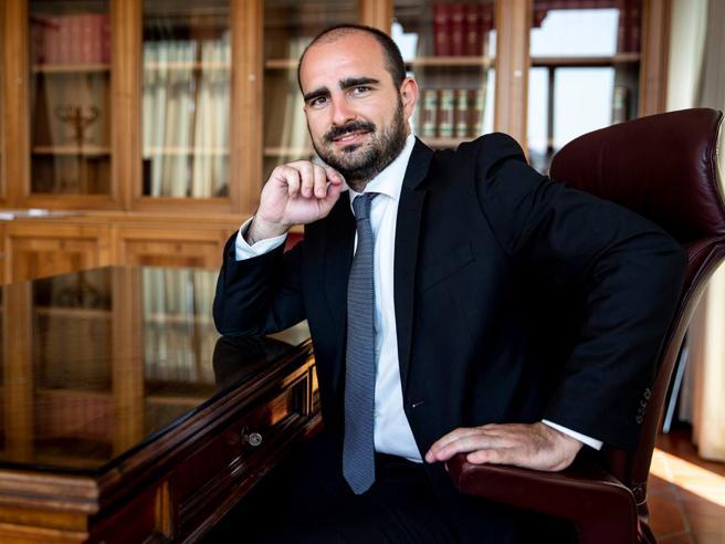 Bonus 600 euro: Rizzone (M5S) è il terzo parlamentare ad averlo chiesto e ottenuto