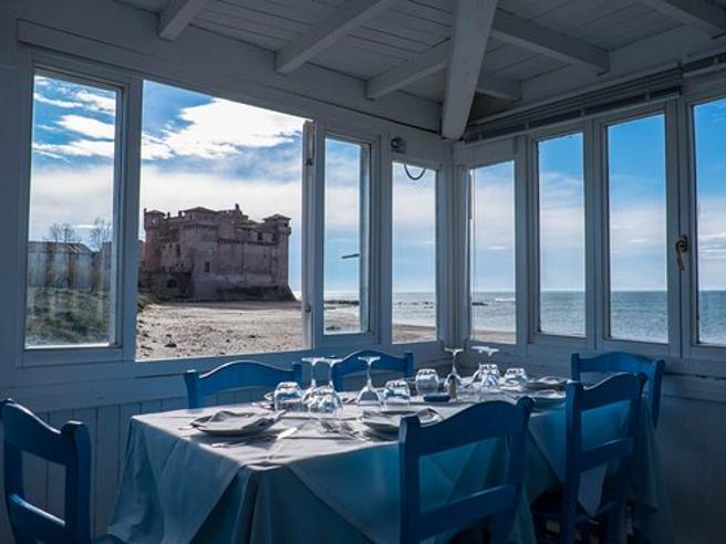 Castello di Santa Severa,  abusi edilizi nel ristorante  amato da politici e calciatori
