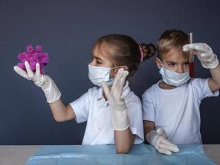 Coronavirus e bambini, quanto si ammalano e quanto sono contagiosi: che cosa sappiamo