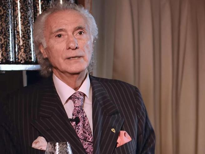Giorgio Pinchiorri e le 2.250 bottiglie all'asta: «Ci pagherò le ferie dei miei dipendenti»