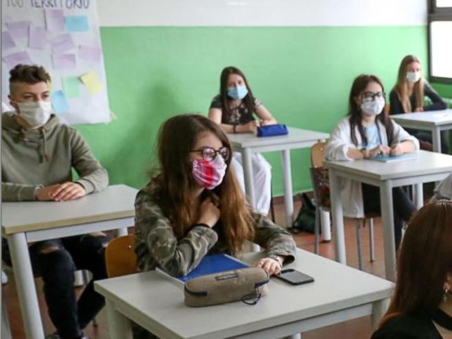 Rientro a scuola a settembre: le richieste di esonero degli insegnanti. Allarme in Veneto, Liguria e Campania
